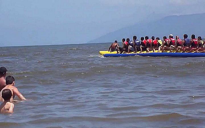 Banana Boat Praia da Cocanha