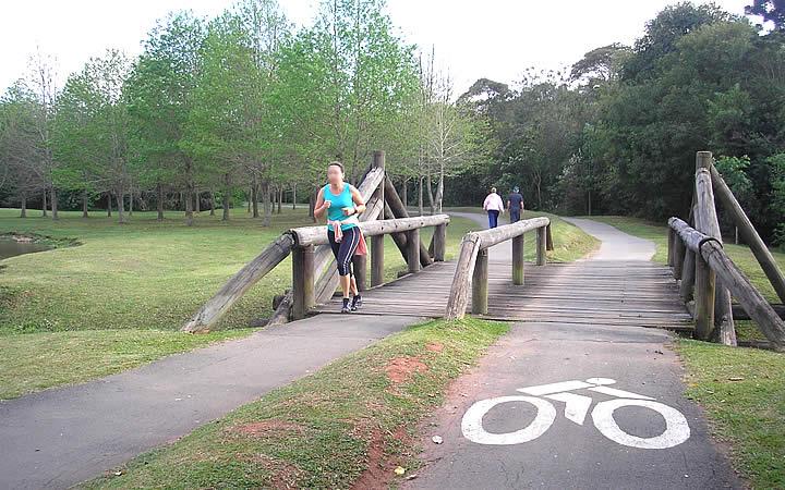 Ciclovia no Parque Tingui em Curitiba