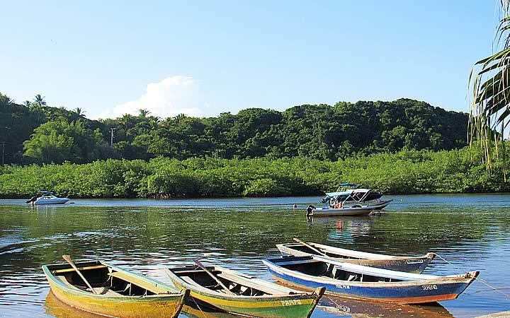 Descida pelo Rio Caraíva - Barcos parados