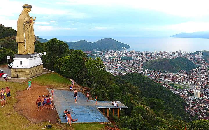 Local de salto de Asa Delta no Morro de Santo Antônio