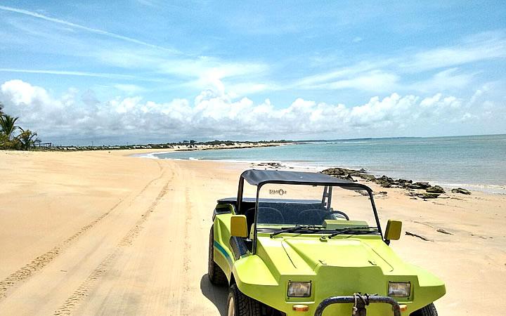 Passeio de Buggy pela Praia de Corumbau