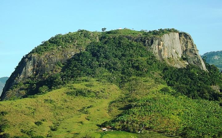 Pedra do Cruzeiro em Gonçalves