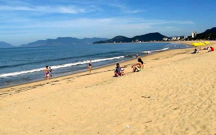 Pessoas na Praia da Cocanha