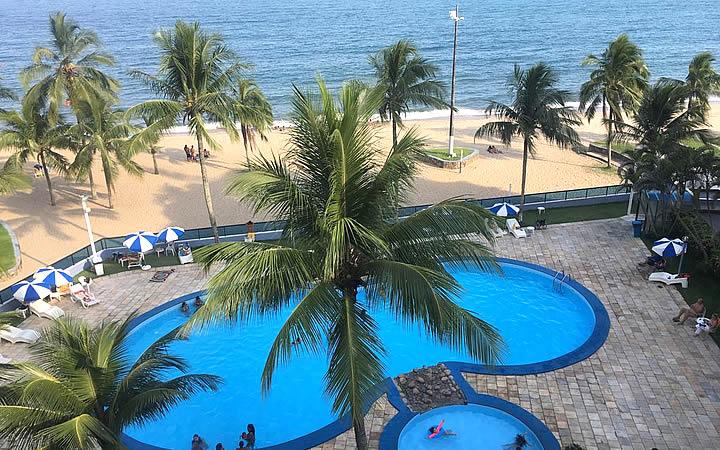 Piscina de apartamento em frente a praia de Martin de Sá