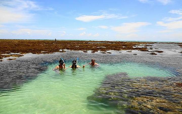 Piscina natural na praia de patacho