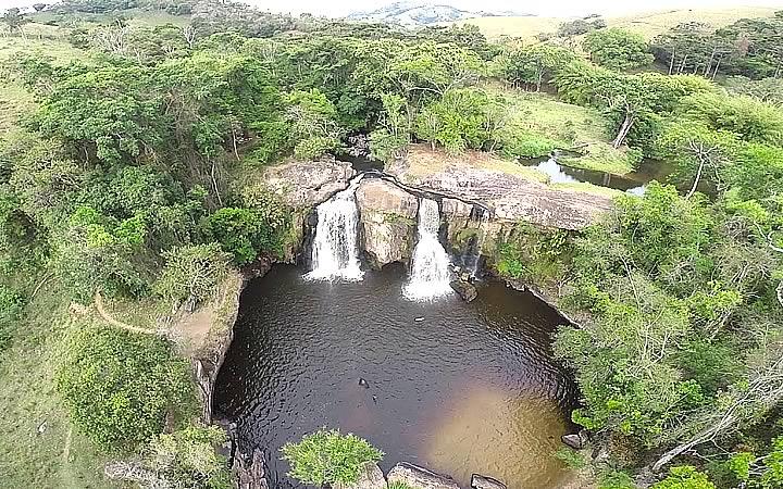 Visão aérea da Cachoeira do Desterro em Cunha