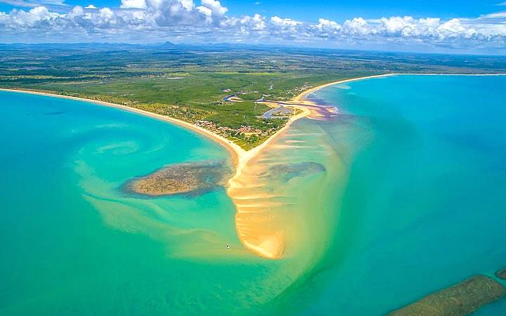 Vista aérea da praia em Corumbau