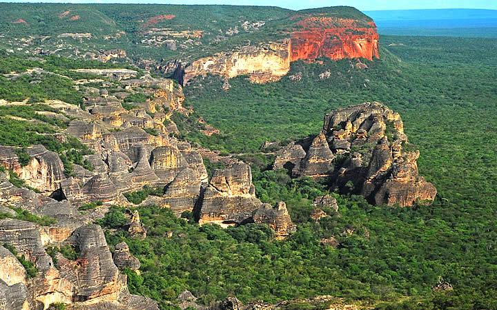 Vista aérea do Parque Nacional da Serra da Capivara