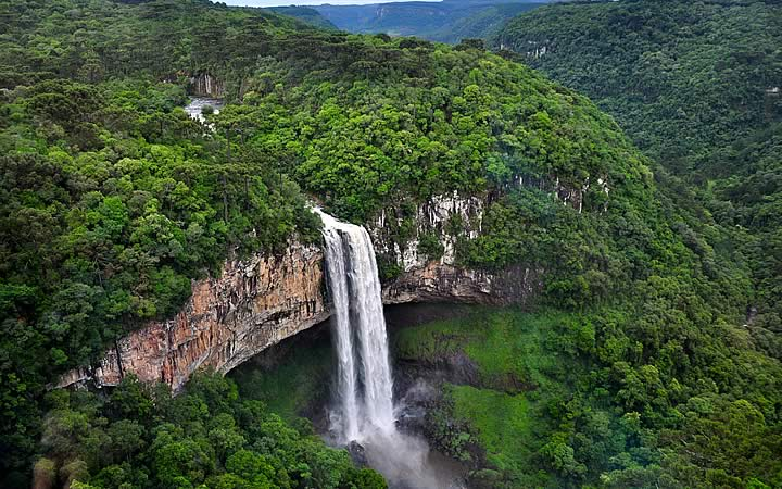 Cachoeira do Parque do Caracol