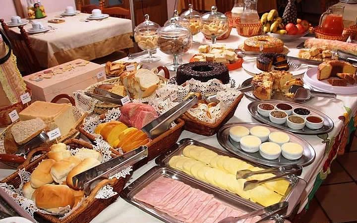 Café da manhã na Pousada das Missões