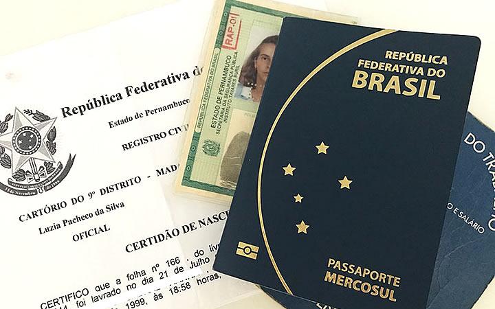 Documentos - Passaporte - RG - Certidão
