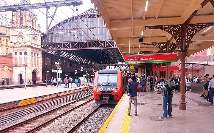 Metro na Estação do aeroporto de Guarulhos
