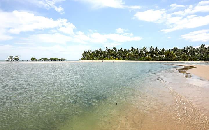Praia do Ponta dos Castelhanos em Ilha de Boipeba