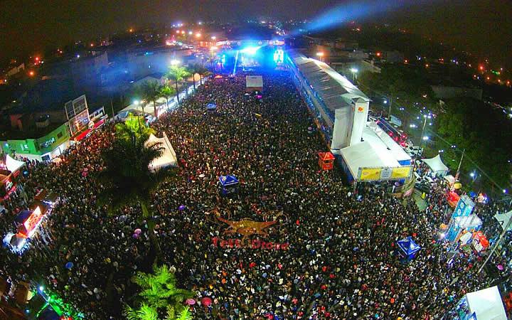 Show na Praça Mestre Dominguinhos em Garanhuns