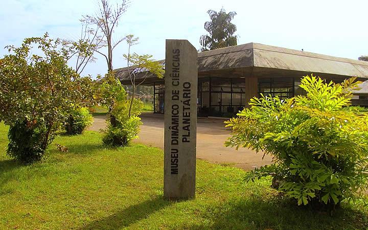 Museu dinâmico de Ciências e ao Planetário
