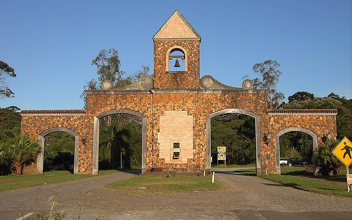 Portal de entrada da estrada Graciosa