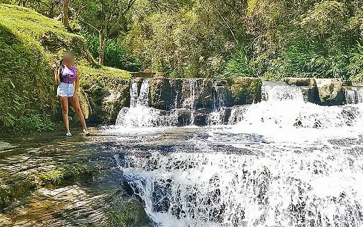 Recanto Perehouski - Mulher na Cachoeira