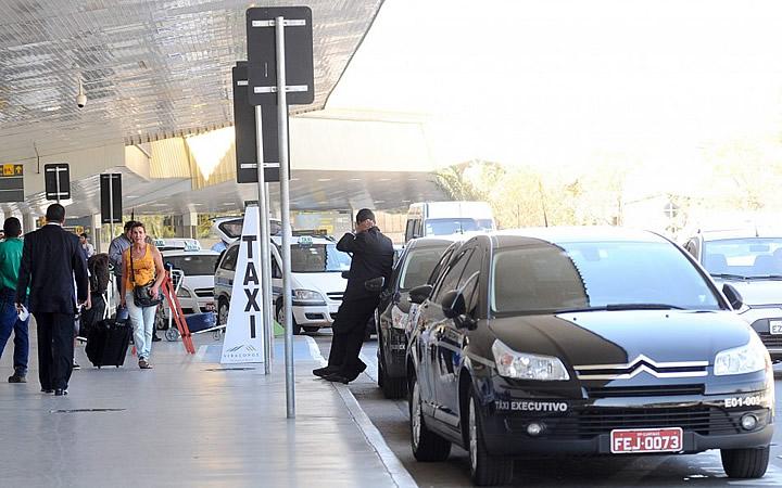Táxi no aeroporto de Viracopos