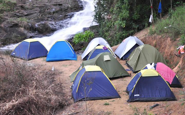 Camping próximo ao Rio das Pedras