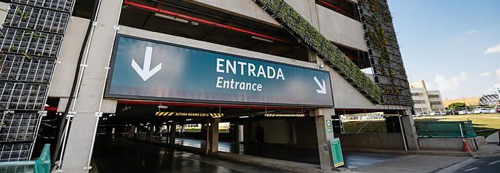 Estacionamento do Aeroporto Viracopos em SP