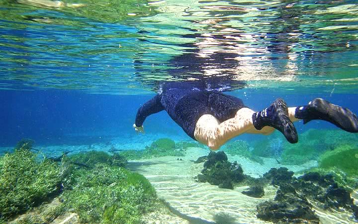 Flutuação em Bonito - Turista aproveitando o lugar