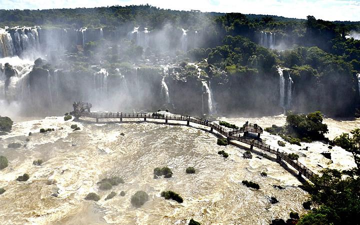 Mirante na Cataratas do Iguaçu