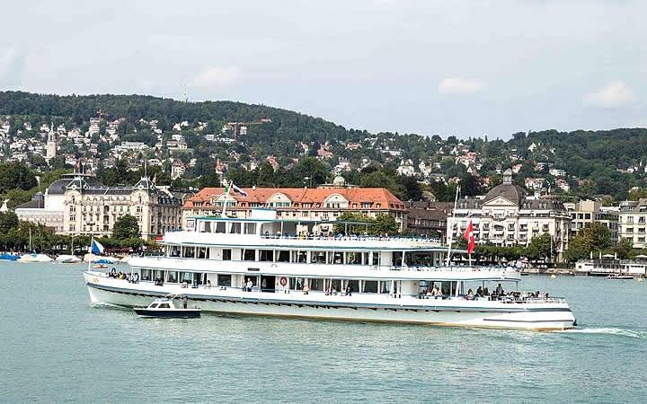 Passeio de barco pelo Lago de Zurique