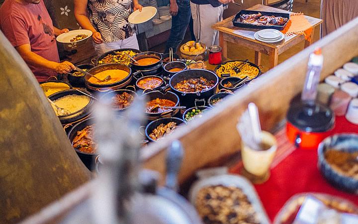 Almoço no fogão de lenha em Itatiaia