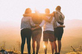 Amigos viajando