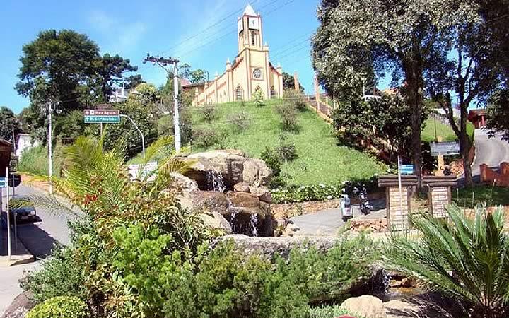 Igreja São Benedito em Santo Antônio do Pinhal