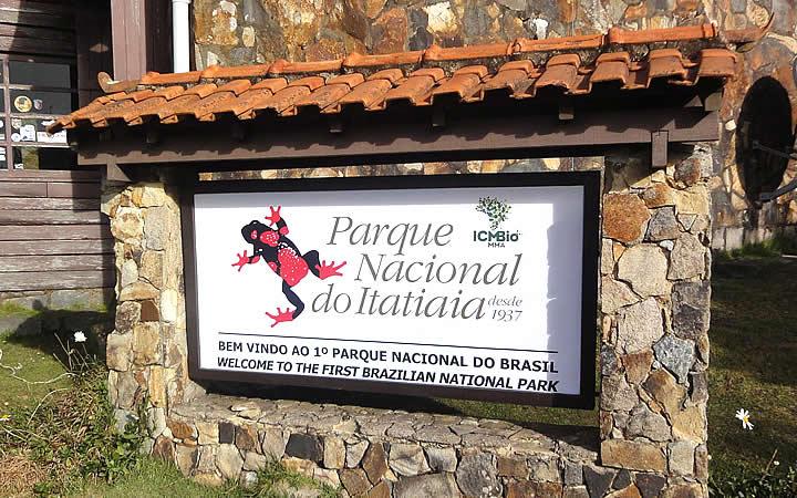 Placa do Parque Nacional do Itatiaia