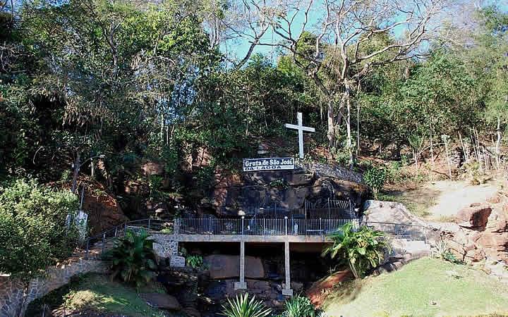 Gruta de São José da Lagoa em Nova Era