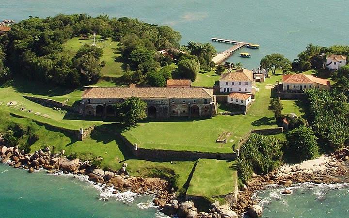 Fortaleza de Santa Cruz na Ilha de Anhatomirim
