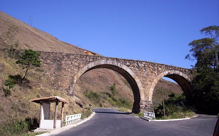 Ponte dos Arcos na Serra da Beleza
