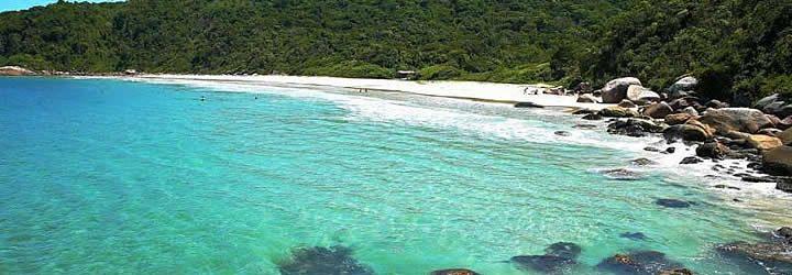 Praia em Governador Celso Ramos