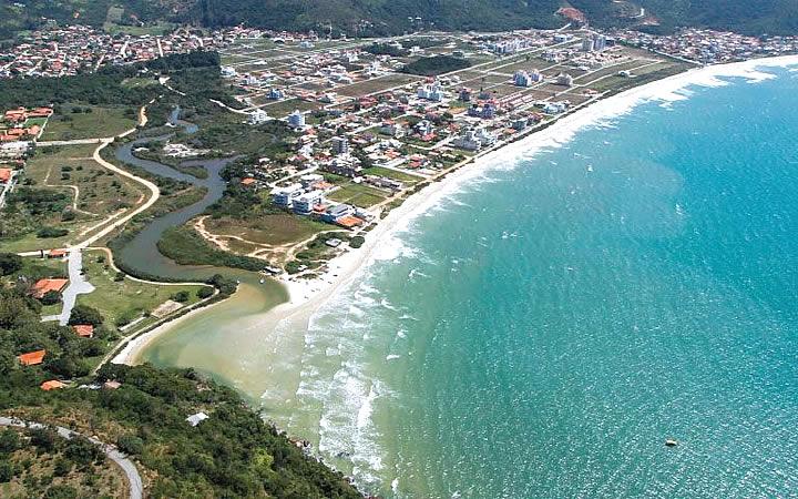 Visão aérea do centro de Governador Celso Ramos