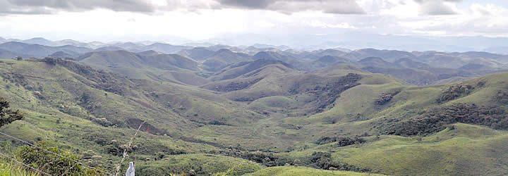 Visão sobre as montanhas nas Serra da Beleza