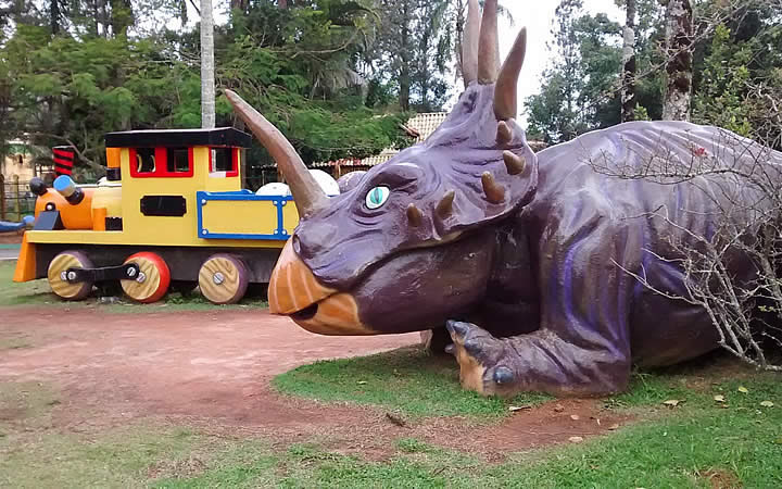 Dinossauro no Beto Carrero - Ferrovia DinoMagic