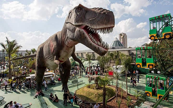 Dinossauro no T-rex Park