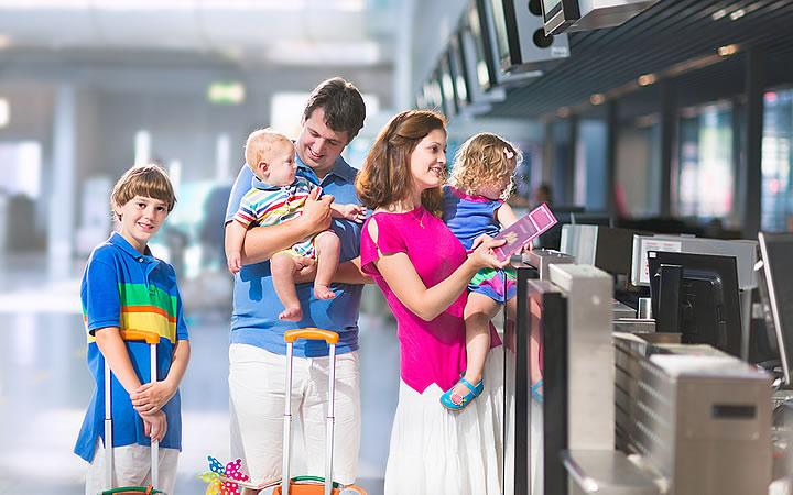 Pais viajando com crianças