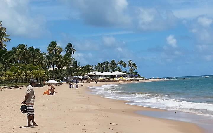 Pessoas na Praia do Forte