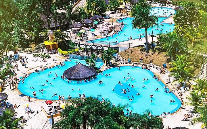 Piscinas no Aldeia das Águas em Park Resort
