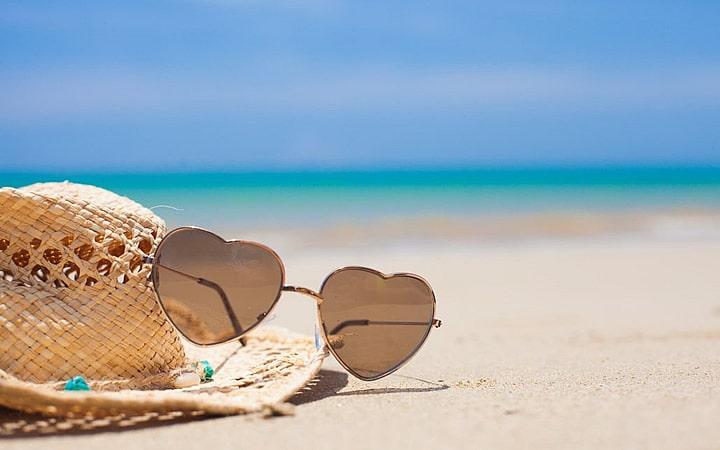 Óculos de sol - O Que Levar Para Praia