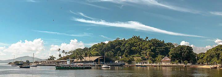 Barcos na Ilha de Paquetá