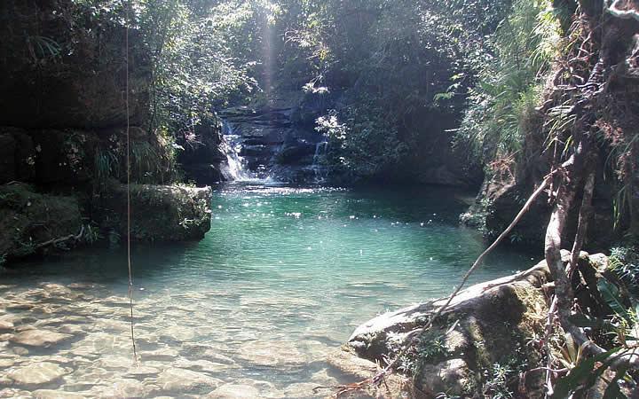 Cachoeira no complexo de Cachoeiras do Bateia