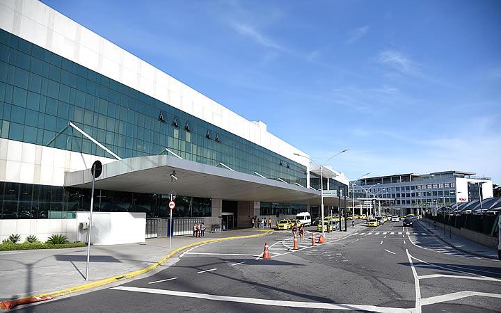 Fachada do aeroporto Santos Dumont