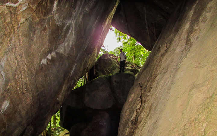 Grutas no Parque Nacional da Tijuca