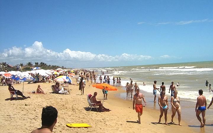 Pessoas na Praia da Barra - Conceição da Barra