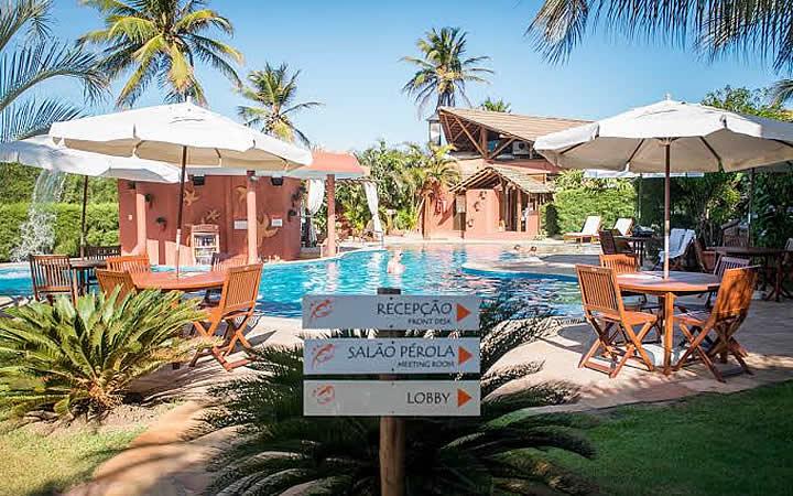 Piscina do hotel Aruana Eco Praia Hotel em São Cristóvão
