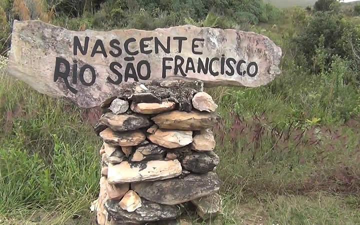 Placa para nascente Rio São Francisco